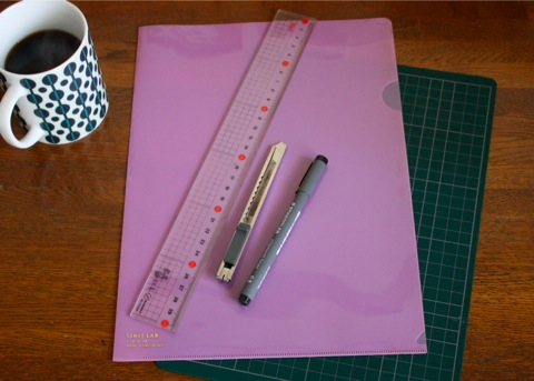 pen holder + clear folder, materials